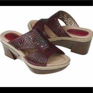 Earth slide wedge red colored sandals
